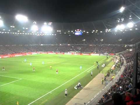 40000 singen Europapokallied/La Ola bei Hannover 96 - Standard Lüttich Liege
