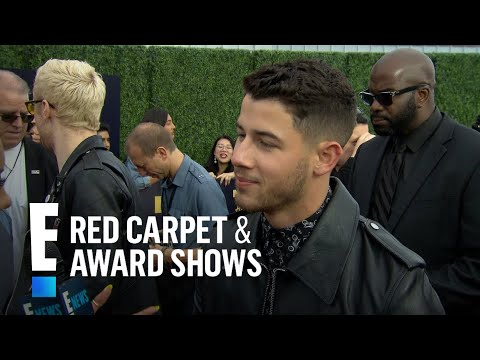 Did Nick Jonas Fly Solo to the 2018 MTV Movie & TV Awards? | E! Live from the Red Carpet