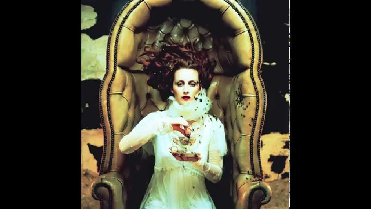 Watch The Siobhan Donaghy Don't Give It Up Video
