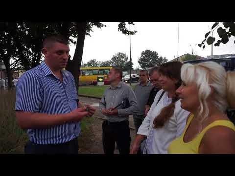 Новини Тернополя 20 хвилин: У розмові з поліцейськими люди ледь стримували емоції