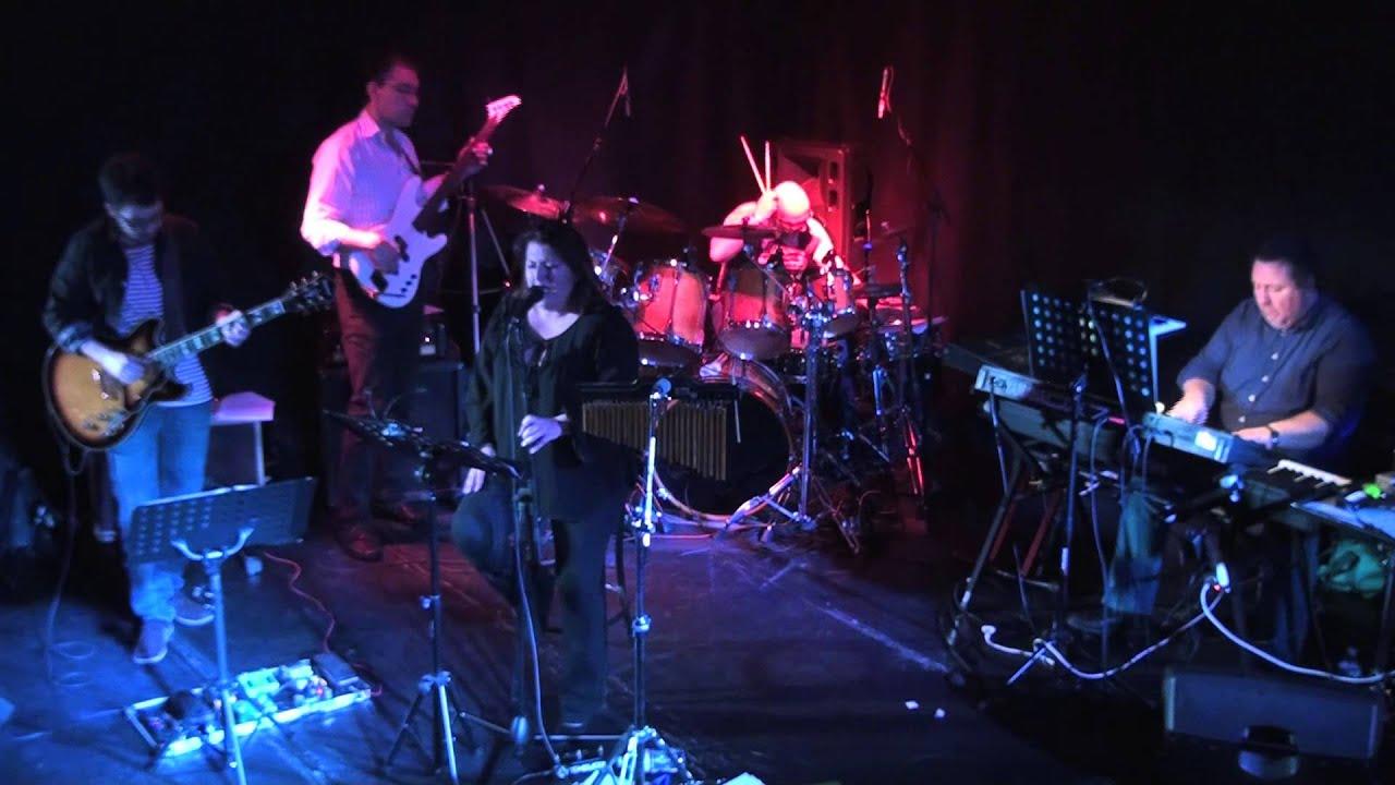 Love on one condition (Bonnie Raitt) Movin' on Groove