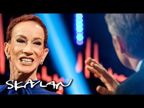 Kathy Griffin on why she reluctantly apologized for Trump «beheading»  Skavlan