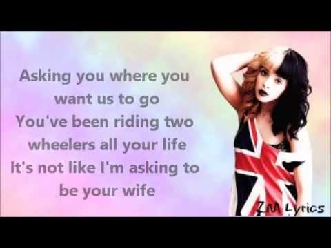 Melanie Martinez-Training Wheels//Lyrics HD