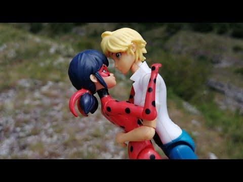 Первый поцелуй Леди Баг и Адриана
