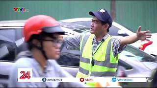 """Việc tử tế :"""" Niềm vui của anh thợ sửa xe """"  - Tin Tức VTV24"""