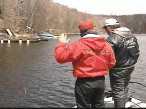 Dvo 030 spring bass fishing on lake wallenpaupack youtube for Lake wallenpaupack fishing