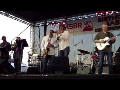 Get Up and Dance - Rick Braun @ 2014 KSBR Bash (Smooth Jazz Family)