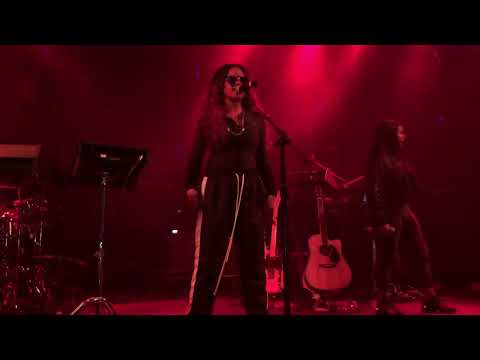 "H.E.R. - ""Avenue"" (Live) - Lights On Tour - Ft. Lauderdale - 12/02/17"