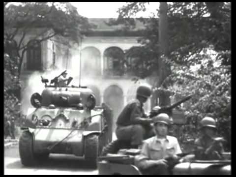 Tanks entering Malacañan Palace grounds Kalayaan Hall