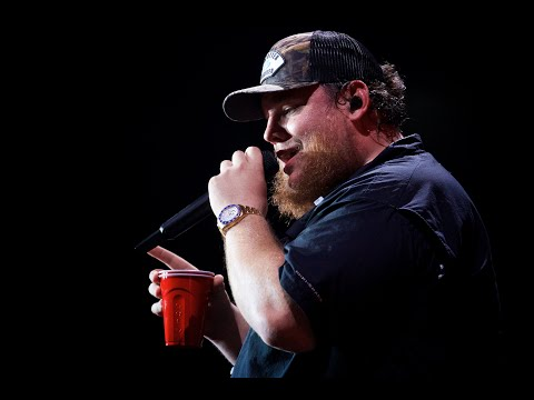 Tim Palmer - Luke Combs 'Beer Never Broke My Heart' In 360 Degrees At The Tacoma Dome