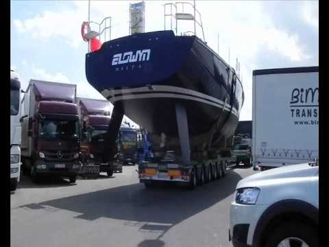 Scandinavian Express - Oversize project - transporting the luxury yacht
