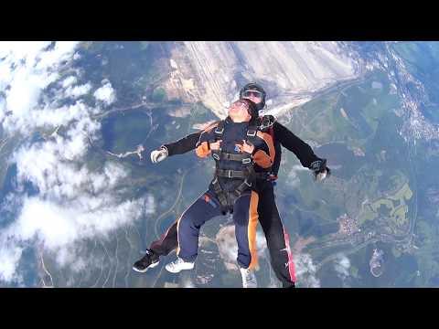 Skydiving in Prague 2020