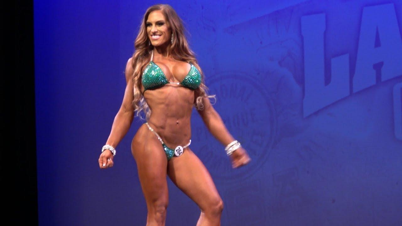 Bikini Ariadne Shaffer nudes (82 photos), Tits