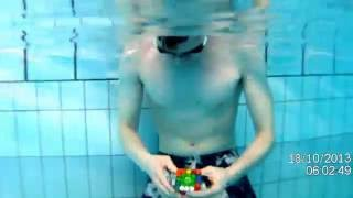 Rubik's 5x5 cube underwater in 1:40 world record :D