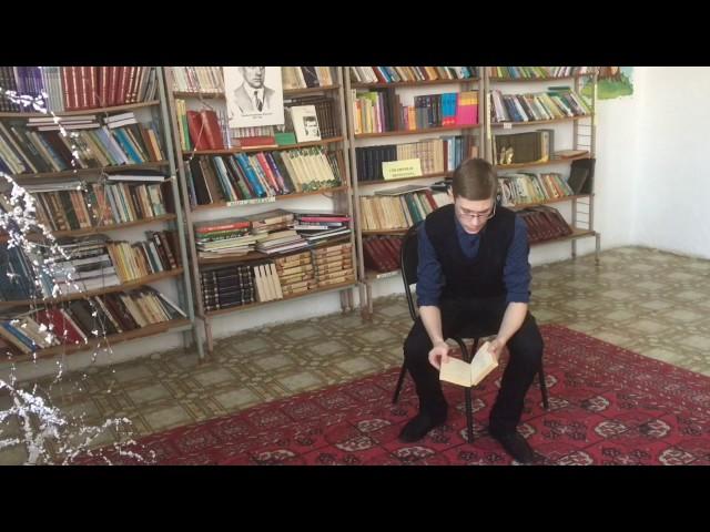 Изображение предпросмотра прочтения – АлександрДаринцев читает произведение «Неоконченное» В.В.Маяковского