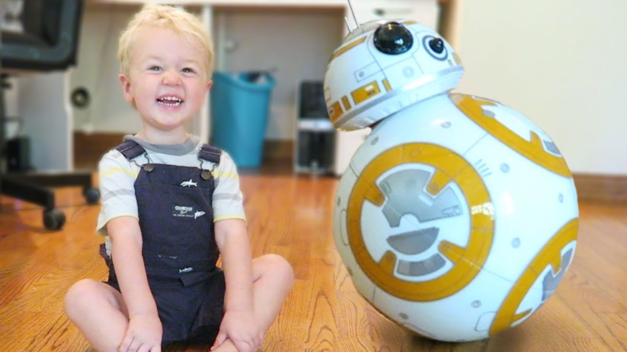 Baby Meets Real BB-8 Droid - YouTube