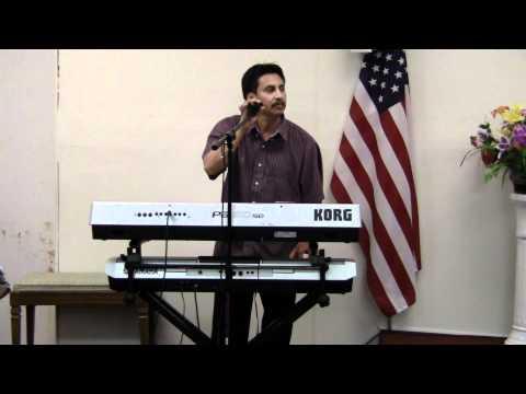 RAMON REYES Cantando Coros En La Iglesia Mision Cristiana En  Myrtle Beach 843 3671794