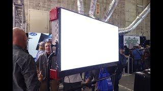 Video Cineo Quantum c80 LED light – Newsshooter at Cine Gear Expo 2017 download MP3, 3GP, MP4, WEBM, AVI, FLV Agustus 2018