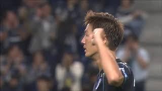 長沢 駿(G大阪)が右サイドから供給されたクロスを頭で叩きつけ、試合...