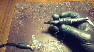 Самая маленькая и самая лёгкая тату машинка в мире))