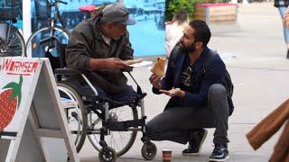 Fremde nach Essen fragen VS Obdachlose nach Essen fragen! (Soziales Experiment)