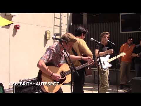 New Hope Club Full Performance At Buffalo Wild Wings