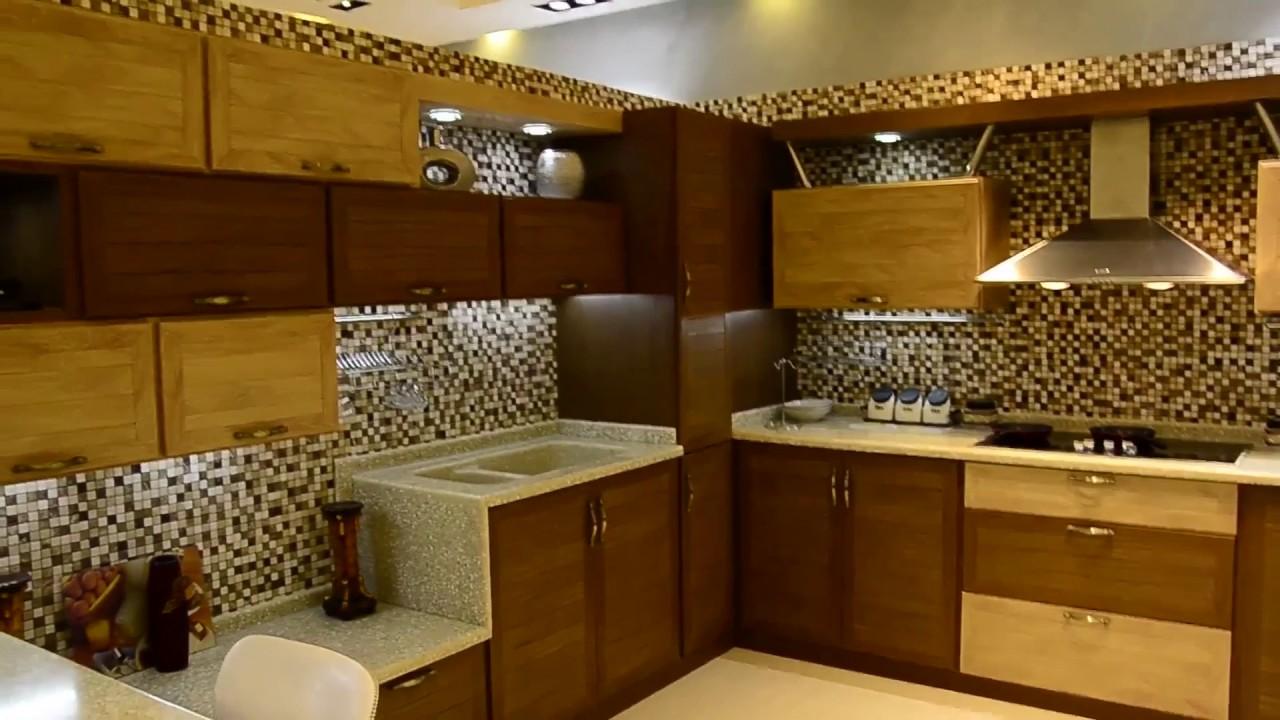 المطبخ الممزوج بين البني الغامق والفاتح (mix dark light brown) من
