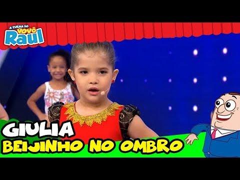 GIULIA canta