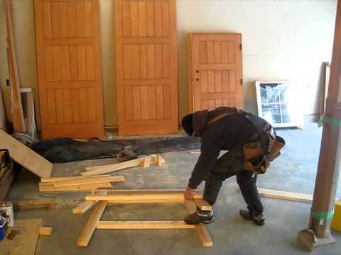 how to build a saw horse in fifteen minutes youtube. Black Bedroom Furniture Sets. Home Design Ideas