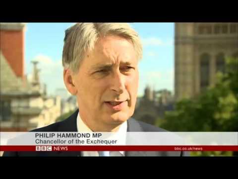 Theresa May finalises cabinet team
