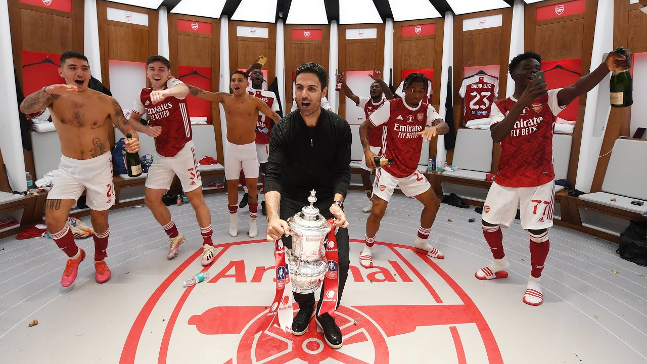 Inside The Dressing Room Celebrations Banter And Partying With The Emirates Fa Cup Youtube