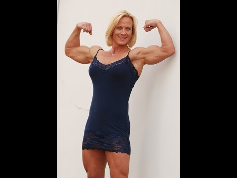 Holly Chambliss Legs Bicep Short Clip