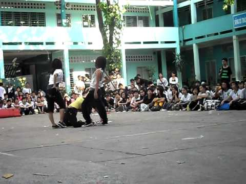 "9a2 dance ""Boys""-hoi xuan 2010"