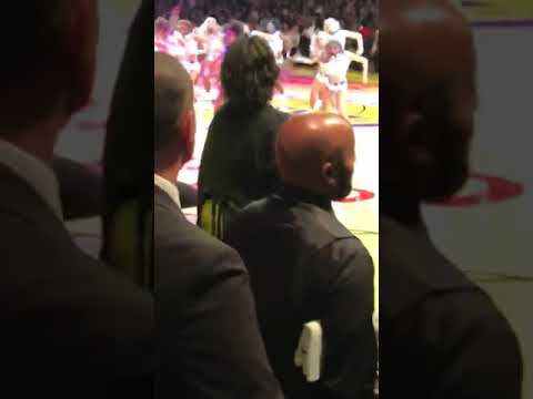 DJ Jaime Ferreira aka Dirty Elbows - Lizzo Dancing To Her Song At A Lakers Game Is Everything!