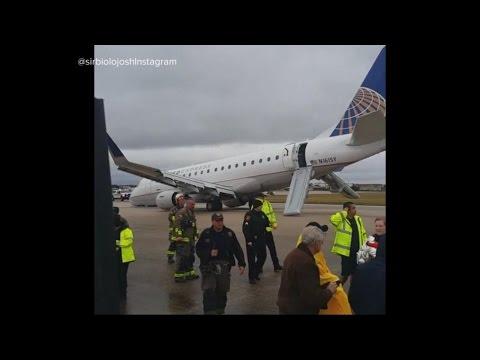 United Flight Crash Lands at San Antonio Airport