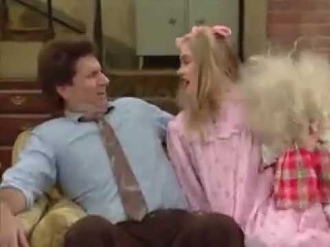 """Download 🎄MARRIED WITH CHILDREN'S   """" A BUNDY CHRISTMAS """""""