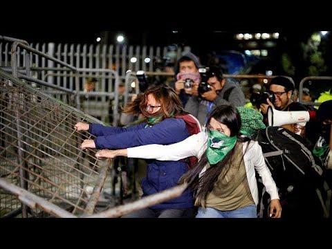 شاهد: مظاهرات غاضبة في الإكوادور بعد رفض مشروع قانون الإجهاض في حالات الاغتصاب…  - 16:54-2019 / 9 / 18