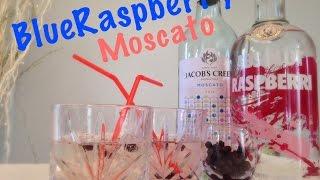 Blue Raspberry Moscato Cocktail || Gettin' Saucy