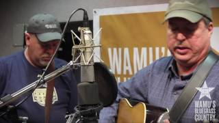 Russell Moore - Mama Tried [Live at WAMU's Bluegrass Country] thumbnail
