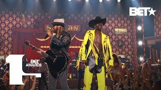 Download lagu Lil Nas X & Billy Ray Cyrus Bring The Old Town Road To The BET Awards Live! | BET Awards 2019