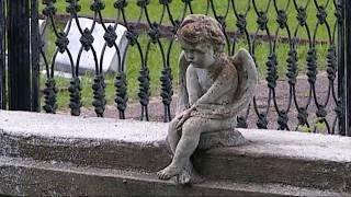 Strange Graves at Natchez City Cemetery. (Jerry Skinner Documentary)