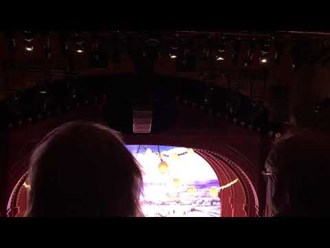 Hello Dolly Curtain Call (Bernadette Peters)