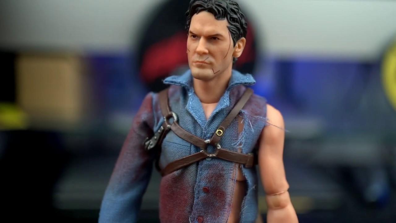 Mezco Evil Dead 2 Dead by Dawn Figurine