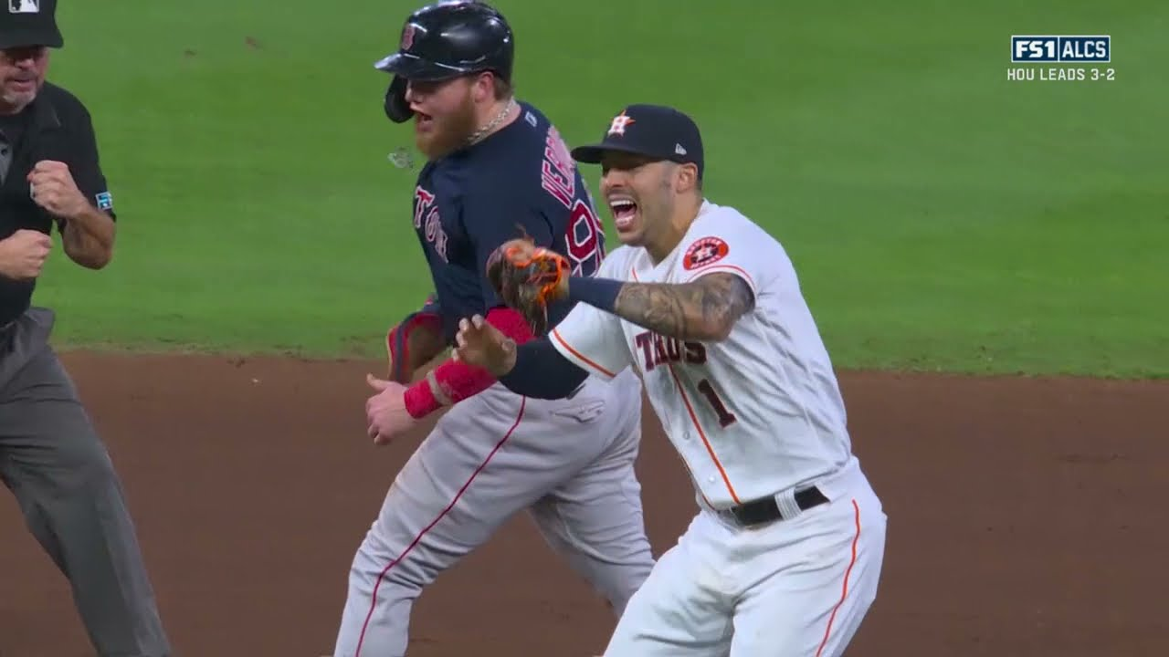 Download STRIKE EM OUT THROW EM OUT!!! Astros pull off HUGE double play to hold on to lead!