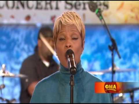 Mary J Blige Sings