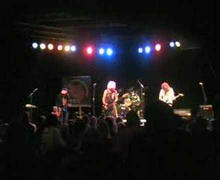 Dangerous Pink - Mustang 64 (live)