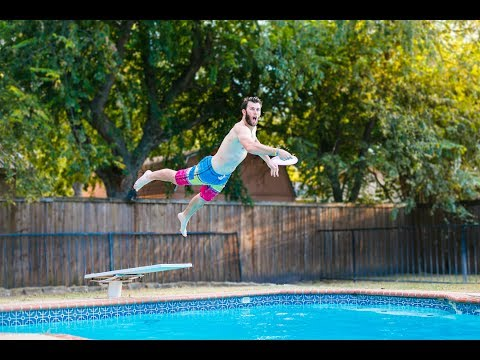 Live Frisbee Tricks | Brodie Smith