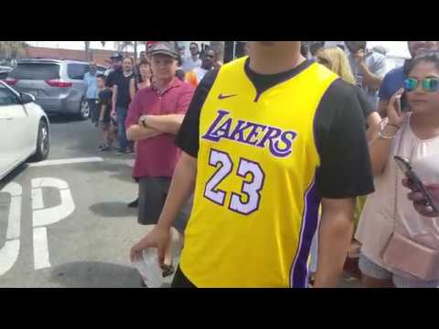 26a70fc10d6 Los Angeles Laker Fans Celebrate the Arrival of King James - Blaze Pizza