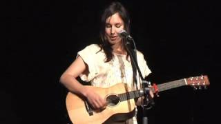 Holly Throsby - Berlin Chair (live)