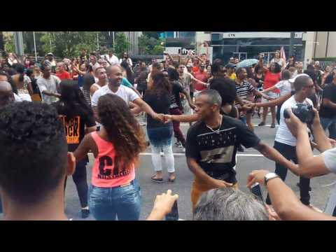 Flash mob samba rock 2017